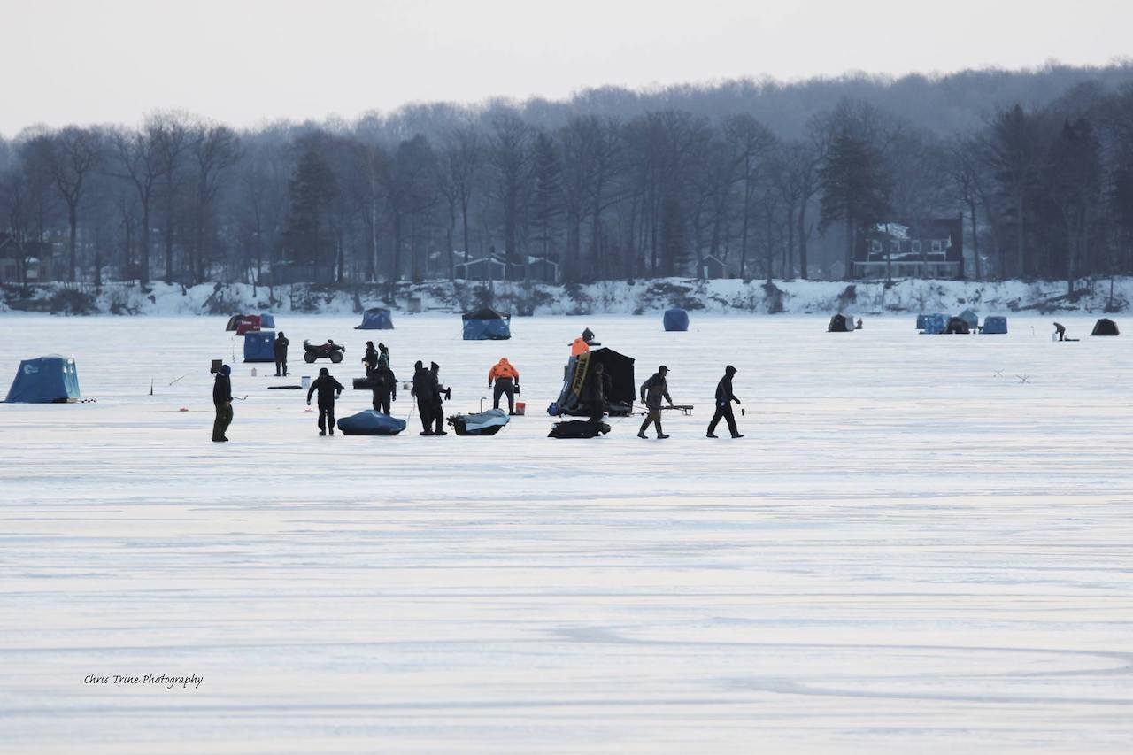 Plenty of ice to do some fishing (photo)